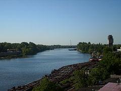 240px-Oder_river_from_Kolumba_Street,_Szczecin_1